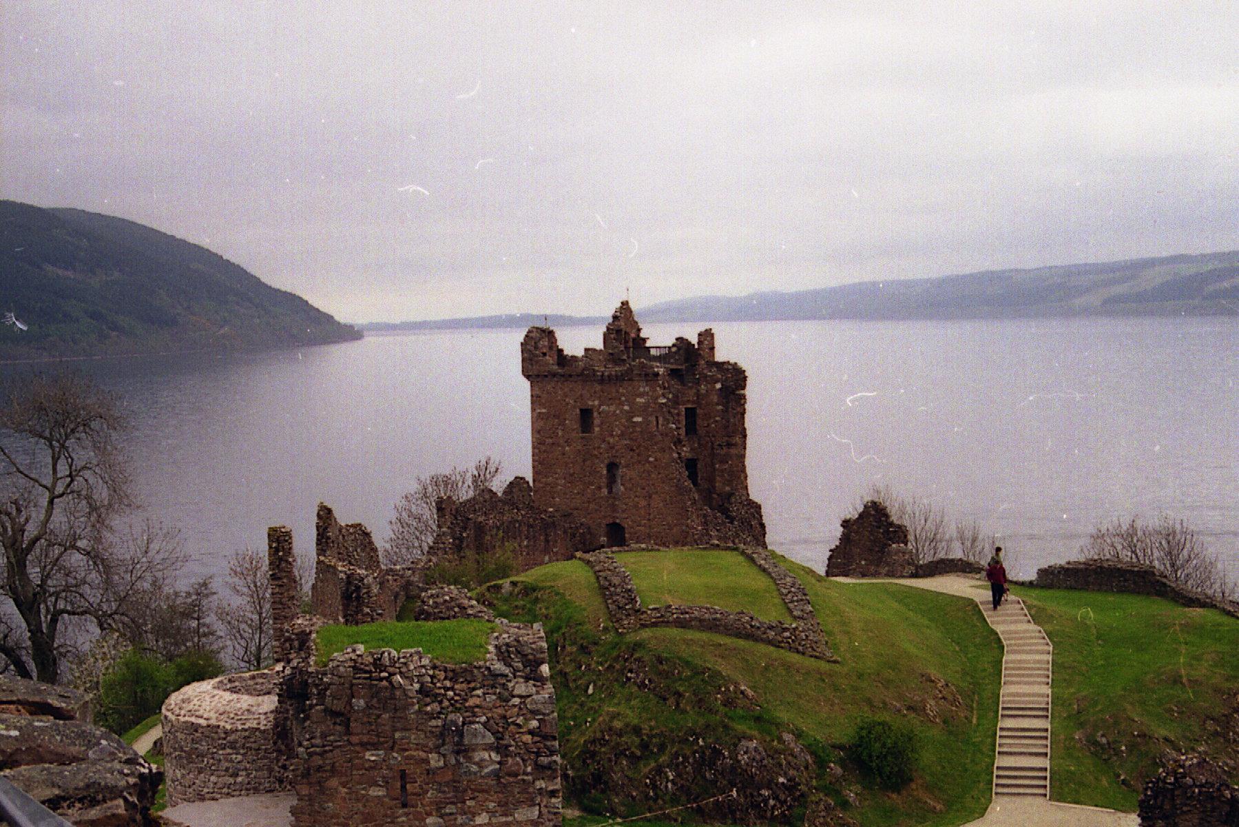 Uruquart Castle am Loch Ness