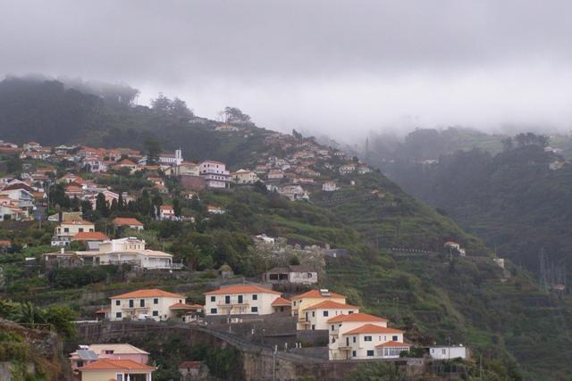 Madeira im Nebel