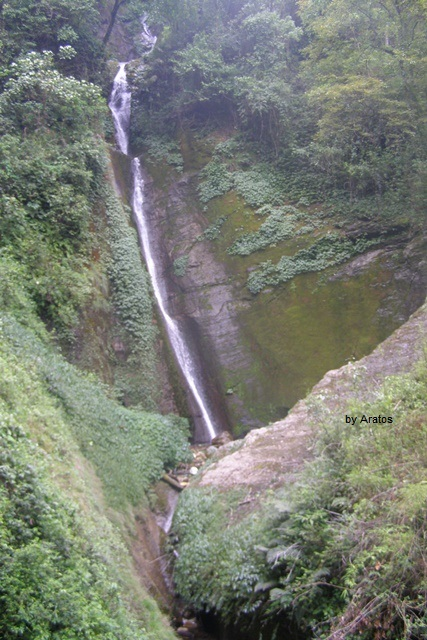 Wasserfall zwischen Jhinu und Landruk