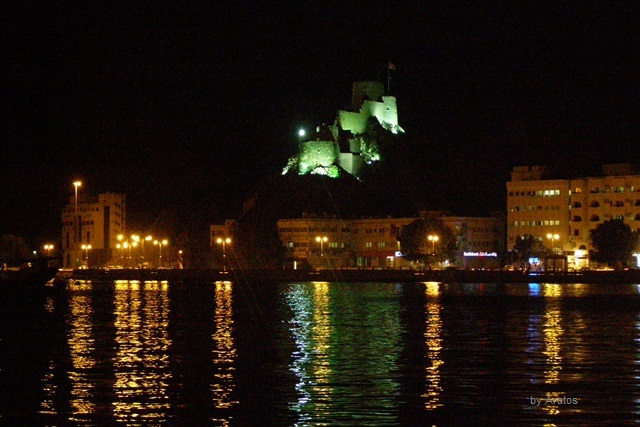 Muscat bei Nacht