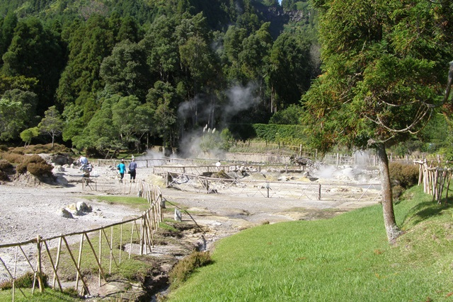 Heißen Quellen am Lagoa de Furnas