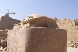 Skarabäus im Karnak Tempel