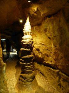 Faszinierende Tropfsteine in der Binghöhle