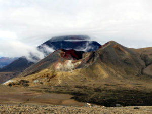 Tongariro Alpine Crossing - Red Crater und Schicksalsberg