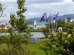 Isländischer Nationalfeiertag - Blick auf Tjörnin
