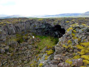 Lavahöhle Gullborgarhellir